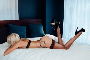 Mallaurie escorts service in Alton, TX