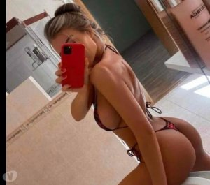 Sergine incall escort in Crystal